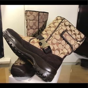 COACH Sharron Signature Boots Khaki/Chocolate.